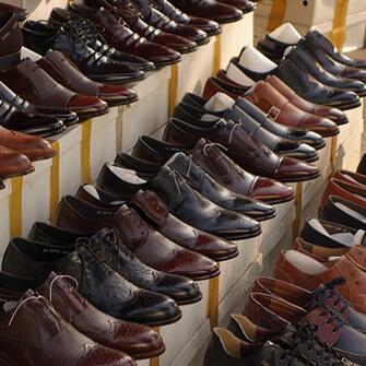 靴修理店と提携している