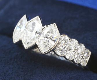 マーキスダイヤモンドリング