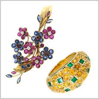 宝石が多く使用された製品