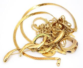 18金のネックレス、指輪など