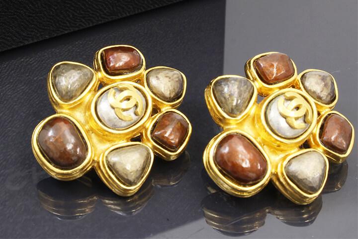 都島店にてシャネルのイヤリングを買取いたしました!