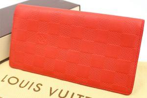 吹田店にてルイヴィトンの長財布(ダミエアンフィニ)を買取しました!