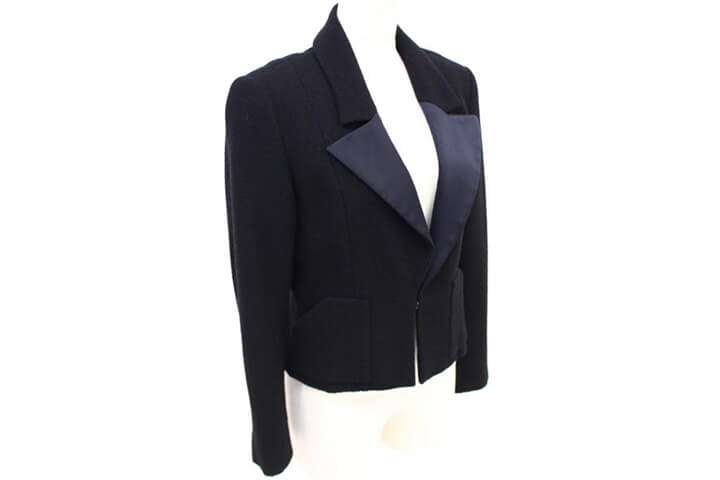 シャネルのジャケットをリピーター様に売っていただきました!