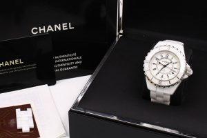 大阪吹田でシャネルの腕時計 J12を買取☆|吹田買取