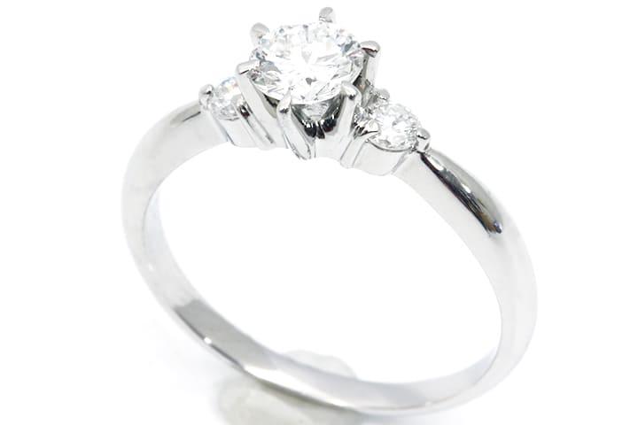 ダイヤモンドリング pt900 0.43cy