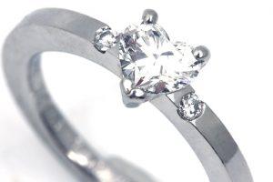 大阪市在住の方からダイヤモンドリングを買取いたしました!