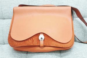 梅田・北新地店にてプラダ2WAYハンドバッグを高価買取しました