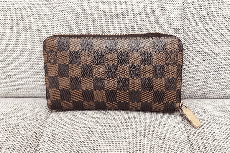 louis-vuitton_damier-wallet
