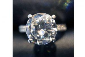 心斎橋のお客様よりD2.32ctのダイヤモンドリングを高価買取