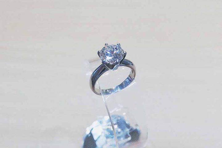 梅田店にてPt900、D2.038ctダイヤモンドリング高価買取