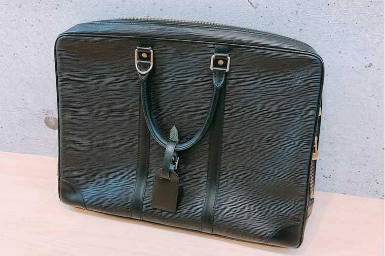 umeda_vuitton_businessbag