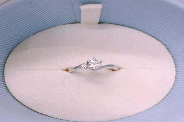 寝屋川市のお客様より、プラチナのダイヤ付きリングを高価買取!