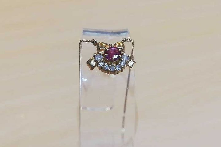 東大阪のお客様からK18ルビーダイヤネックレスを高価買取 梅田店