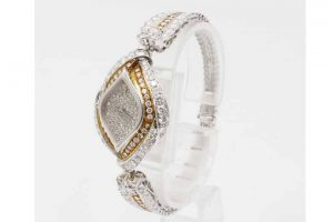 梅田店|オーデマピゲレディース腕時計ダイヤベゼルブレスを高額買取