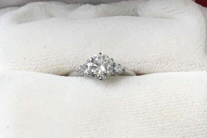 大阪出張買取 心斎橋のお客様宅にてダイヤモンドリングを高額査定