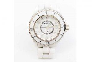 シャネルのJ12ホワイト・レディース腕時計を高価買取|吹田江坂店