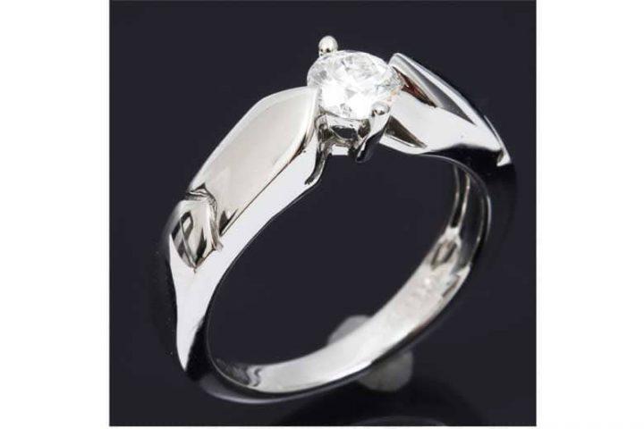梅田北新地店にて中津のお客様よりショーメのダイヤリングを高価買取