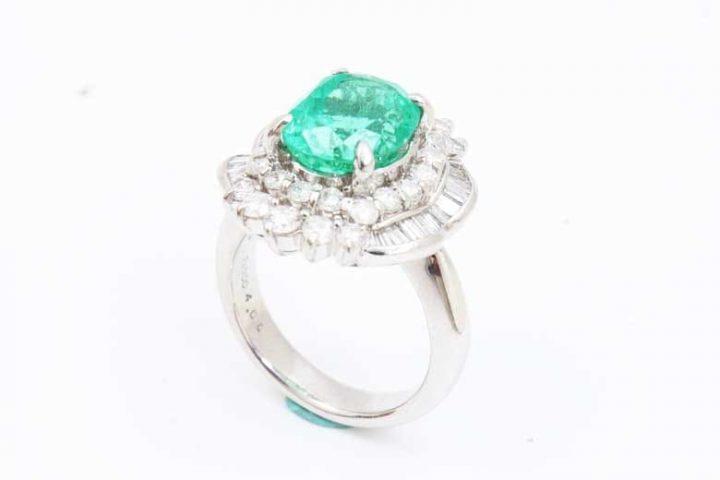 エメラルドダイヤリング高価買取|大阪で宝石を売るならブランドハンズ