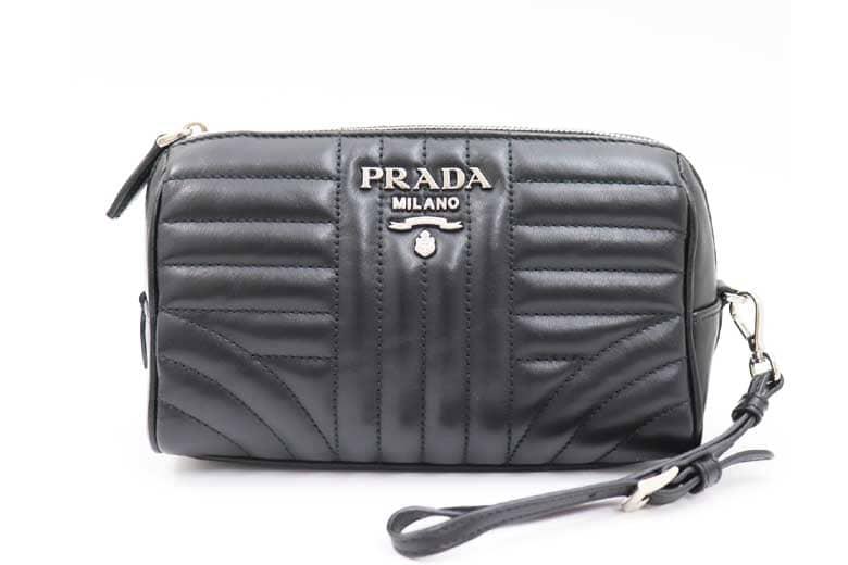 prada_pouch_1
