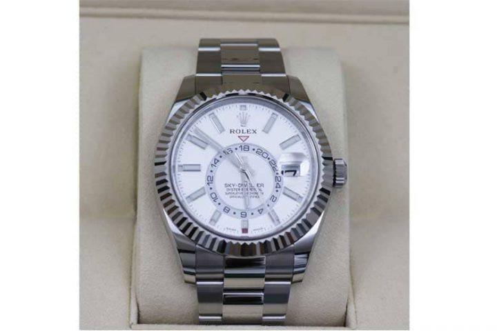 ロレックスの時計スカイドゥエラーを高価買取 豊中市のお客様