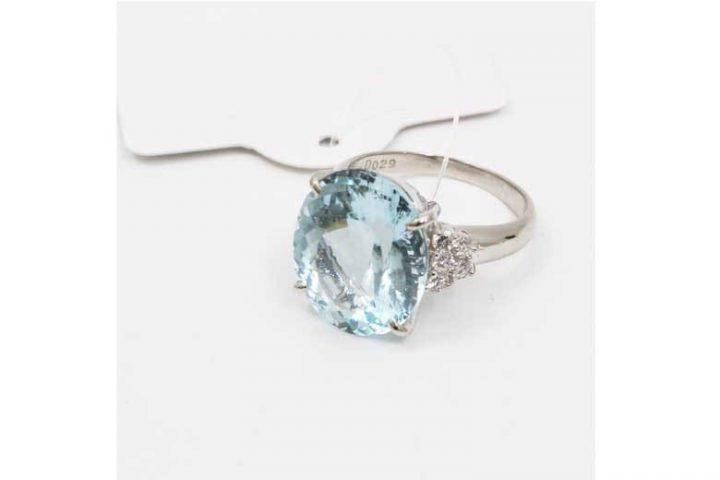 豊中市のお客様より宝石アクアマリンの指輪を高価買取 吹田江坂店