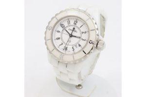 尼崎市塚口のお客様よりシャネルのレディース時計J12を高価買取