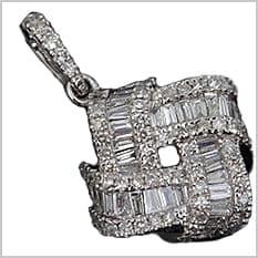 メレダイヤが沢山ついている製品
