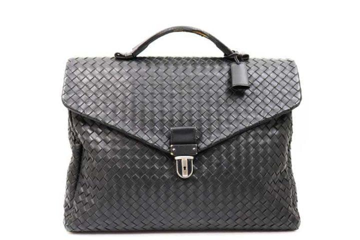 枚方市中宮北町のお客様よりボッテガヴェネタのイントレチャート ビジネスバッグを高価買取!